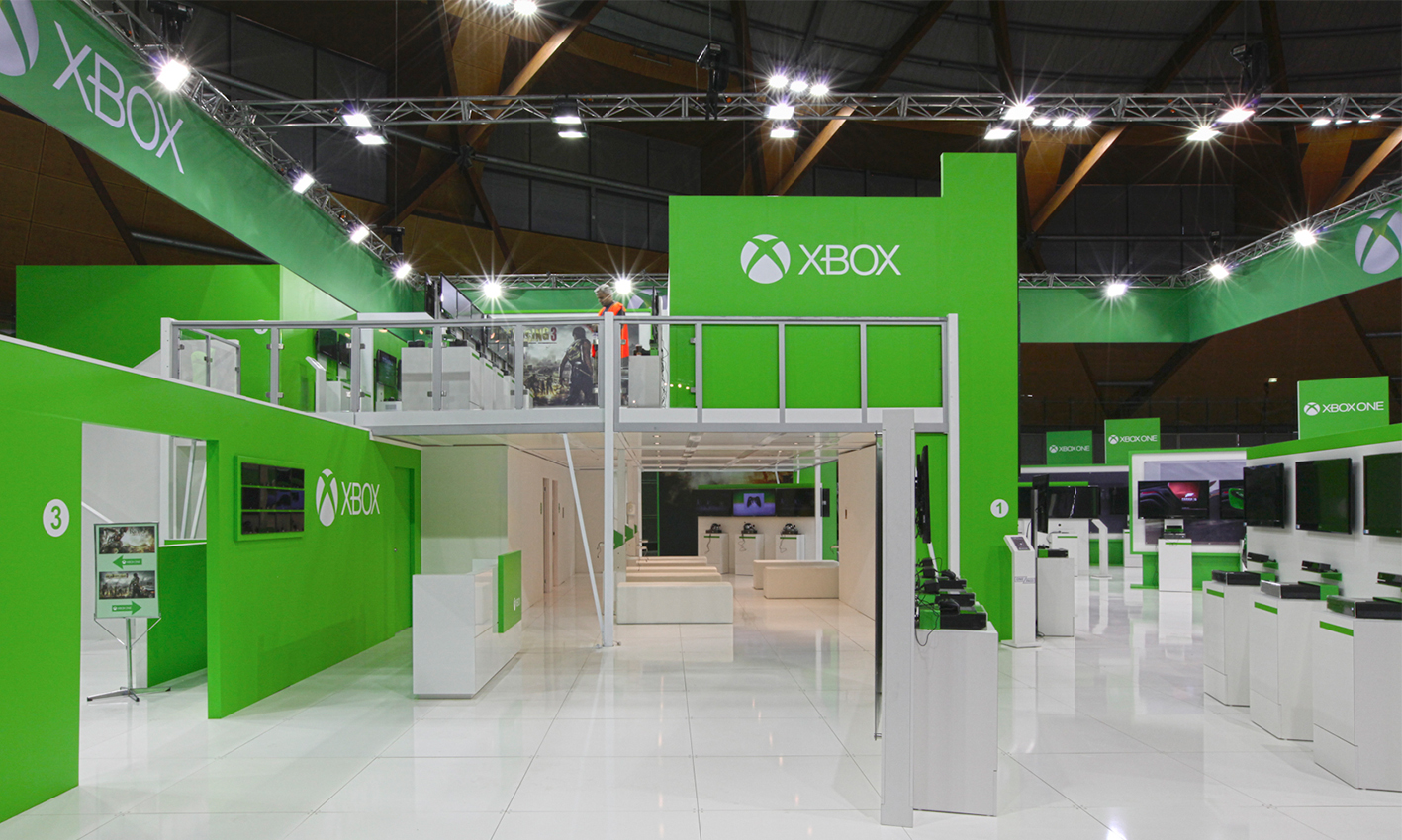 Microsoft+XBOX+Exhibition+Stand+at+EB+Games+View4